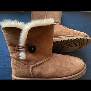 Ugg chestnut Bailey Bow boots